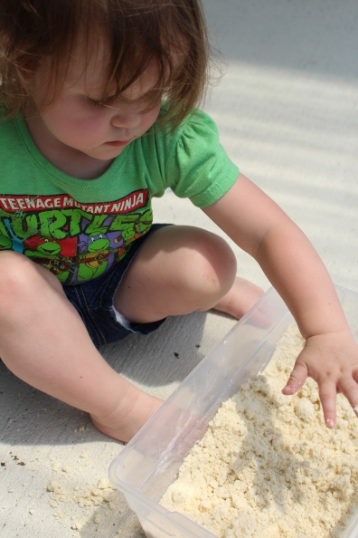 Pin-Tested: Moon Sand for kiddos